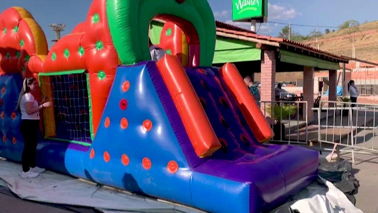 Jovem faz sucesso ao investir em mercado de brinquedos infláveis em MG