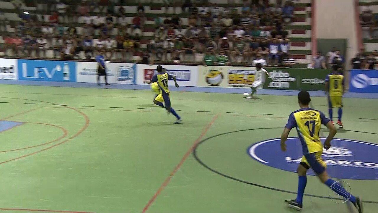 Em noite inspirada de Leandrinho, Lagarto goleia Tobias Barreto na estreia na Copa TVSE