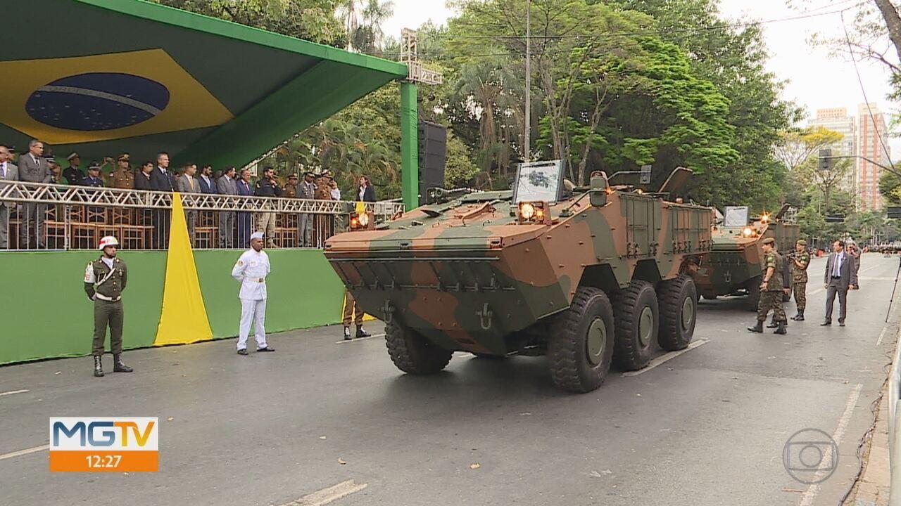 Militares fazem o Desfile de Sete de Setembro na Avenida Afonso Pena, em Belo Horizonte