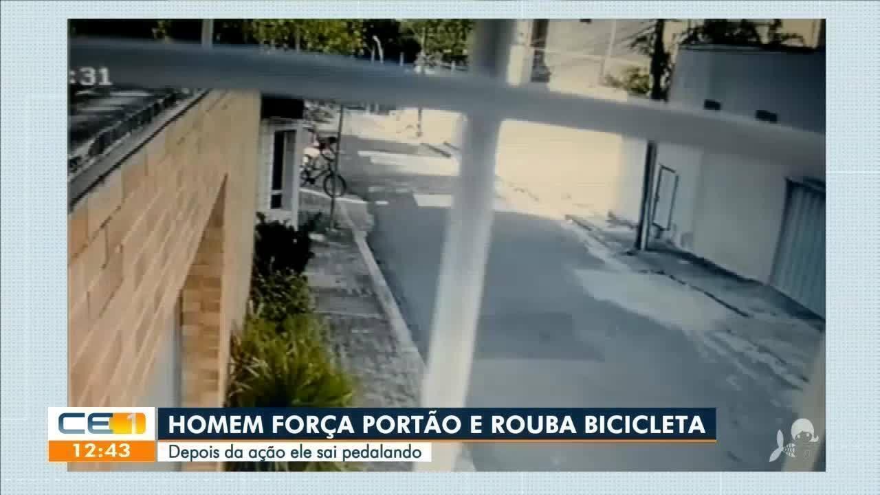Homem força portão, rouba bicicleta e sai pedalando