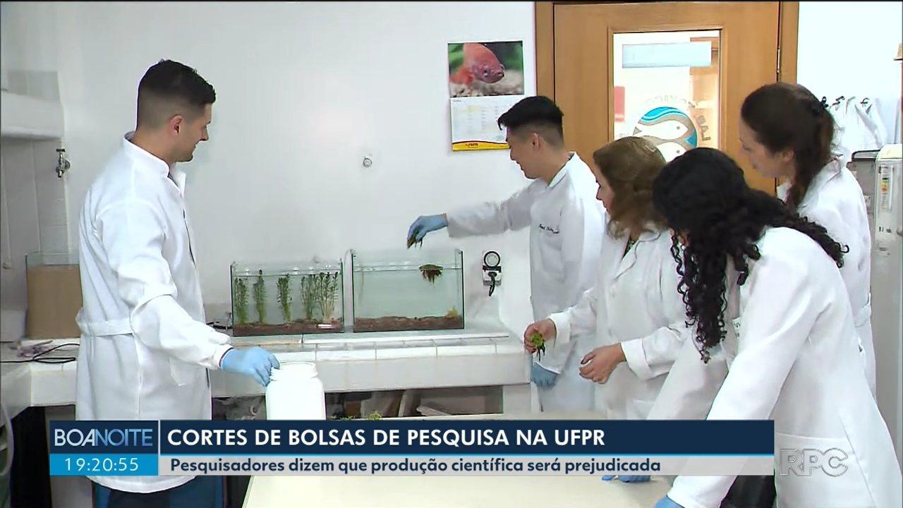 Cancelamento de bolsas preocupa pesquisadores da UFPR