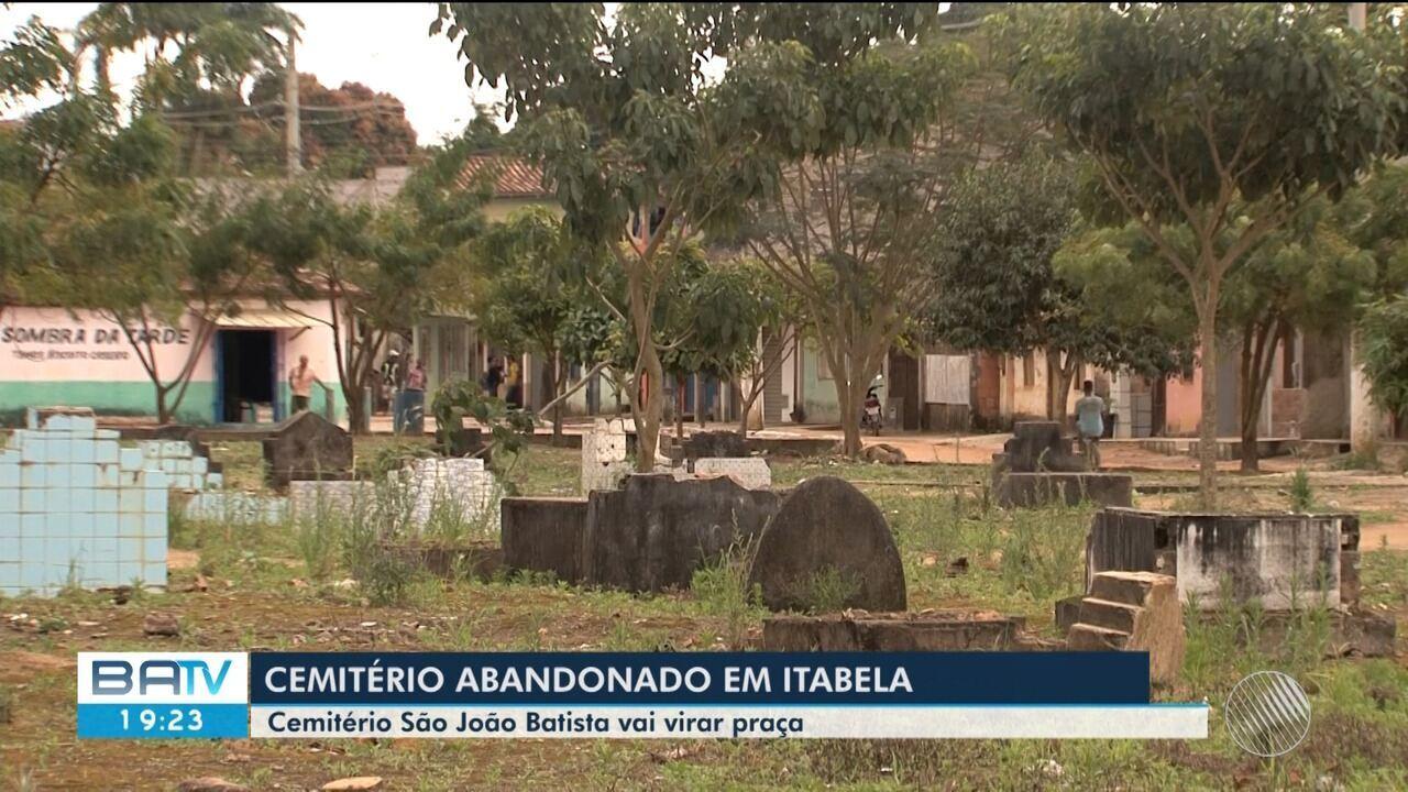 Prefeitura quer desocupar área de cemitério abandonado para construir praça em Itabela