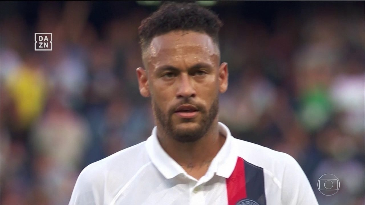 Neymar é vaiado, mas faz golaço pelo Paris-Saint Germain