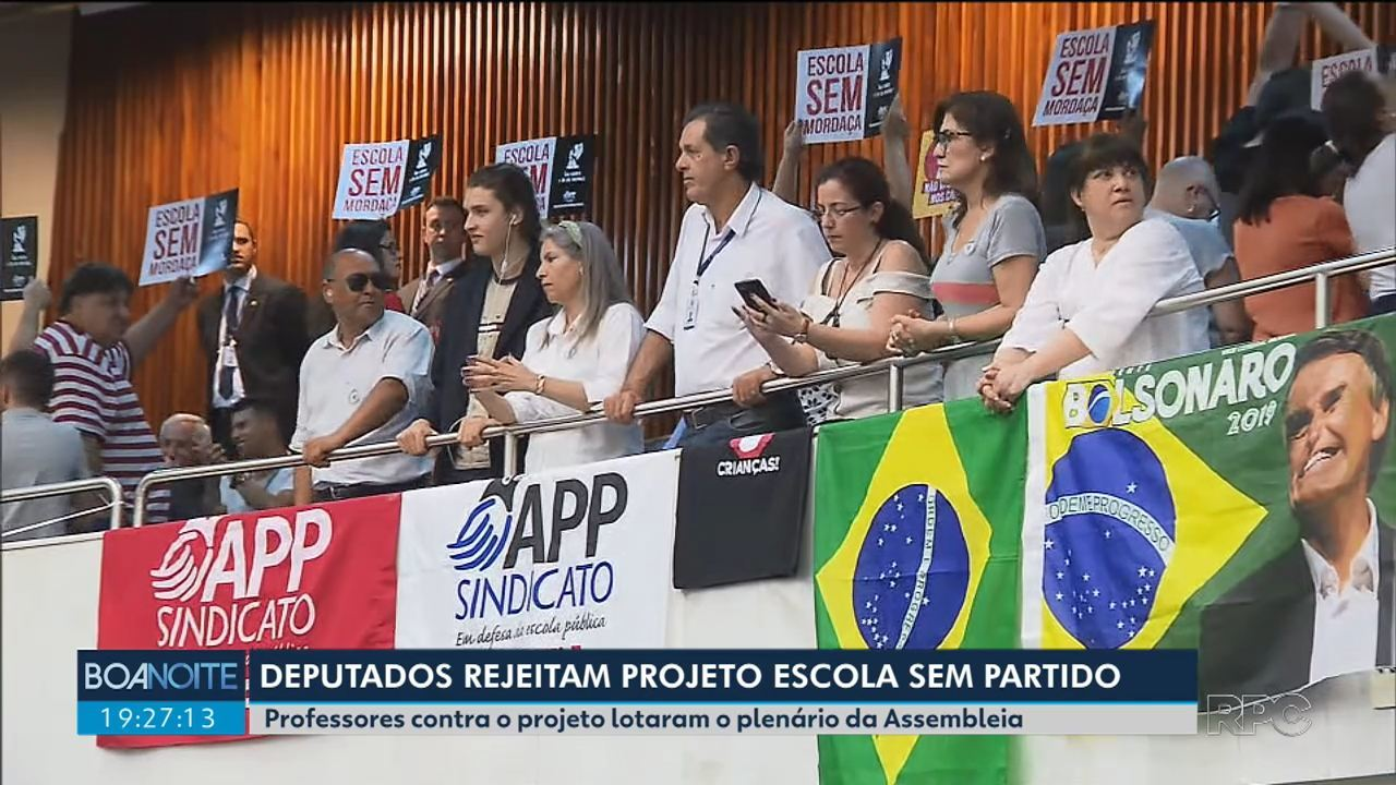 Por 27 votos a 21, deputados rejeitam projeto 'Escola Sem Partido'