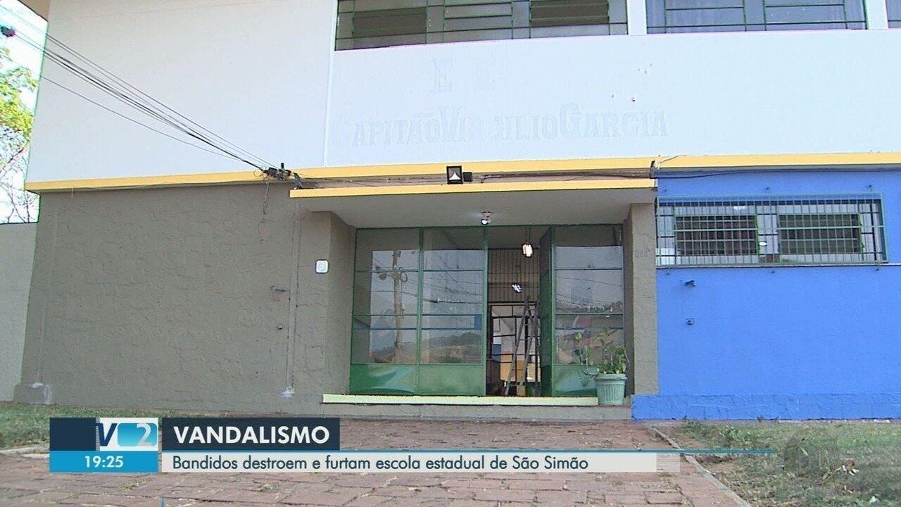 Pela segunda vez no ano, criminosos destroem escola estadual em São Simão, SP