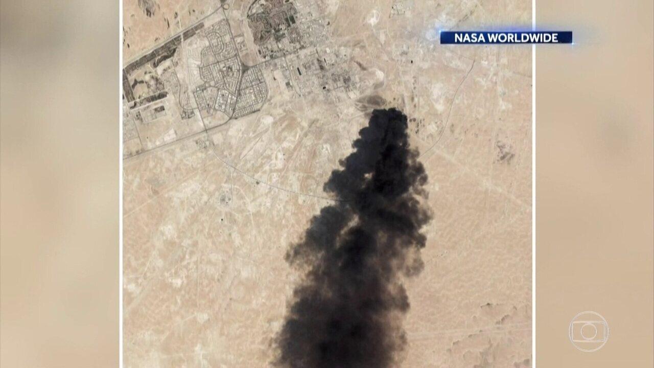 Sauditas apresentam armas usadas em ataques a refinaria de petróleo