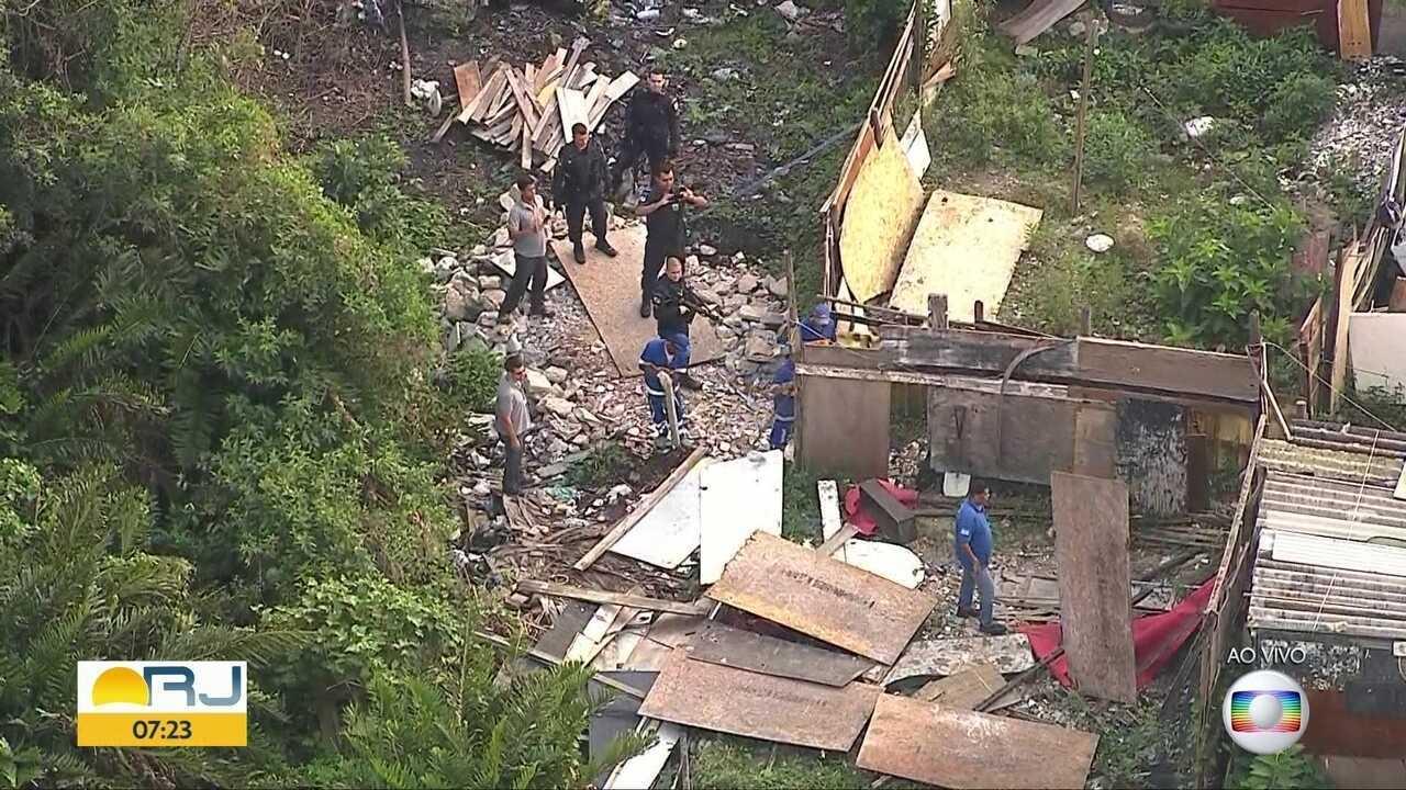 Prefeitura realiza operação para retirada de imóveis irregulares na Zona Oeste