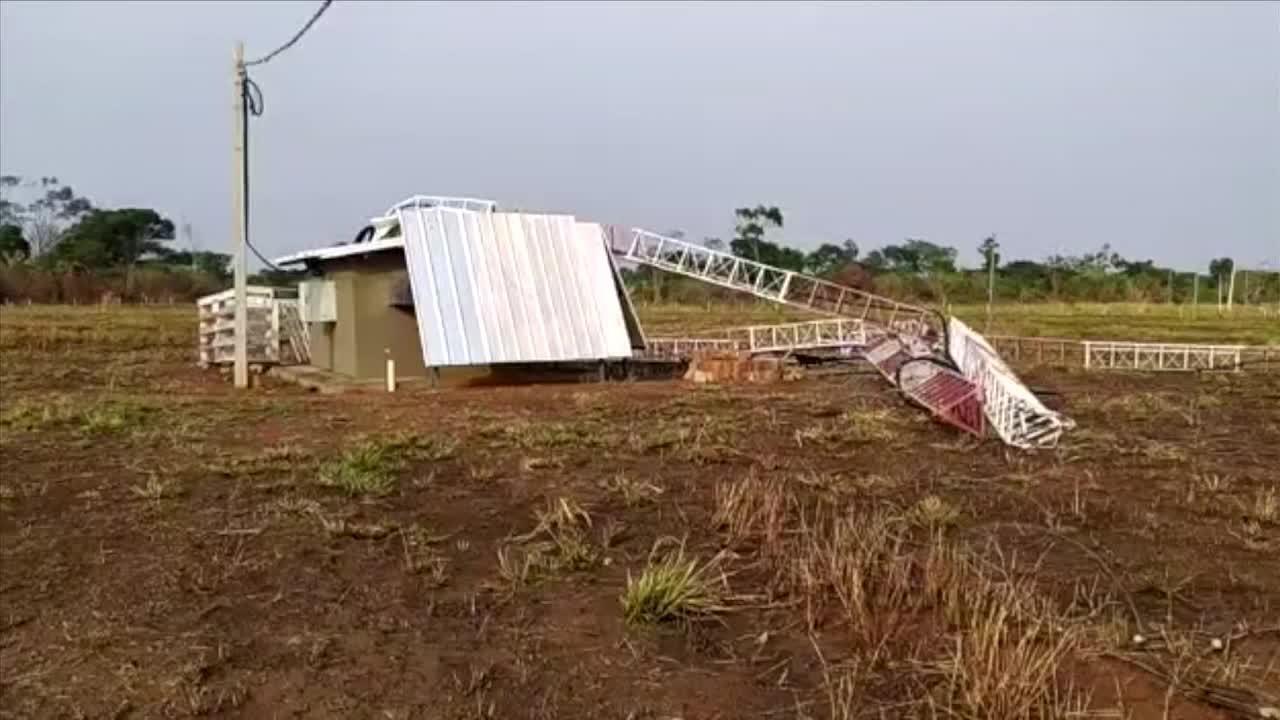 Chuva forte derruba torre em Alta Floresta