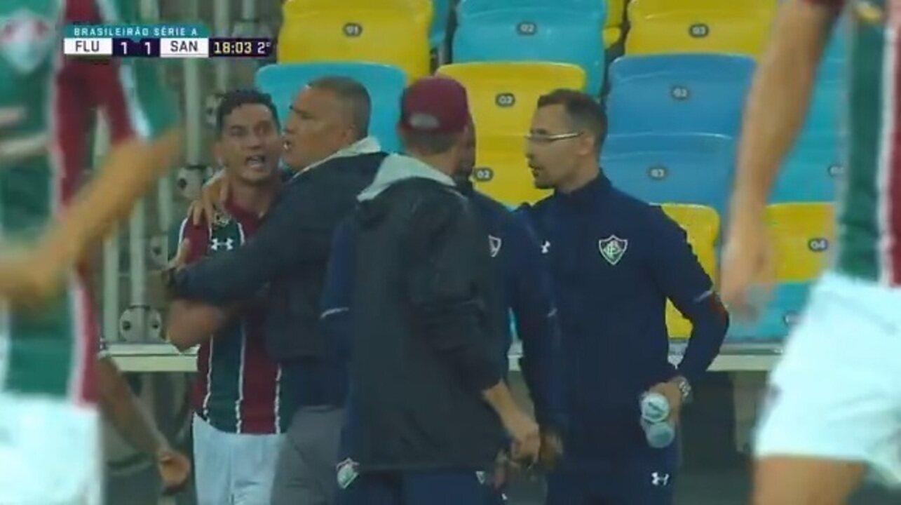 """Substituído no Flu, Ganso se desentende com Oswaldo de Oliveira : """"Você é burro"""""""