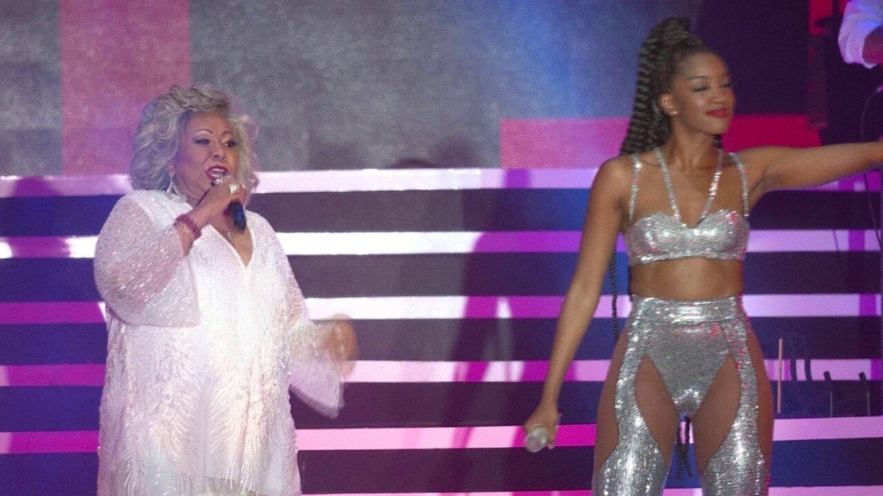 """Iza e Alcione cantam """"Você me Vira a Cabeça"""" no Rock in Rio"""