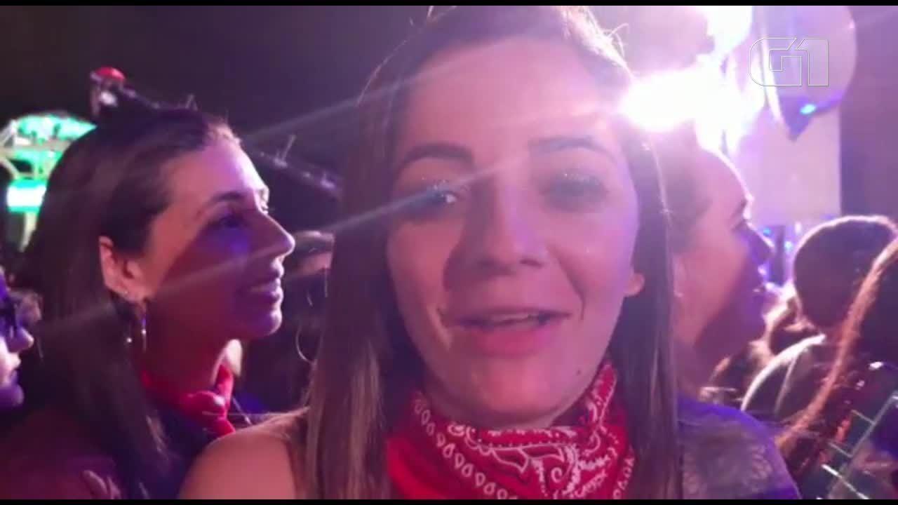 Fãs de Jon Bon Jovi falam sobre encontro com cantor no palco do Rock in Rio