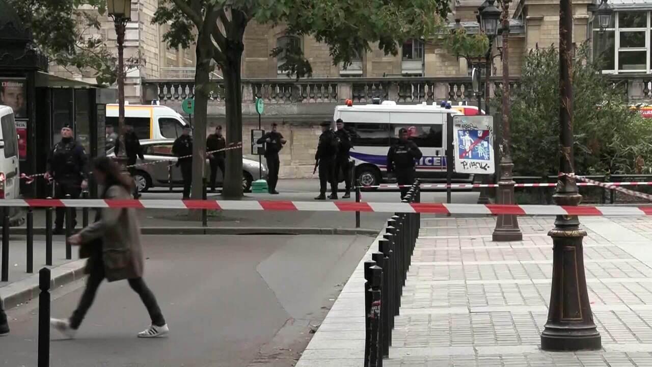 Homem mata quatro policiais a facadas em frente à sede da polícia de Paris