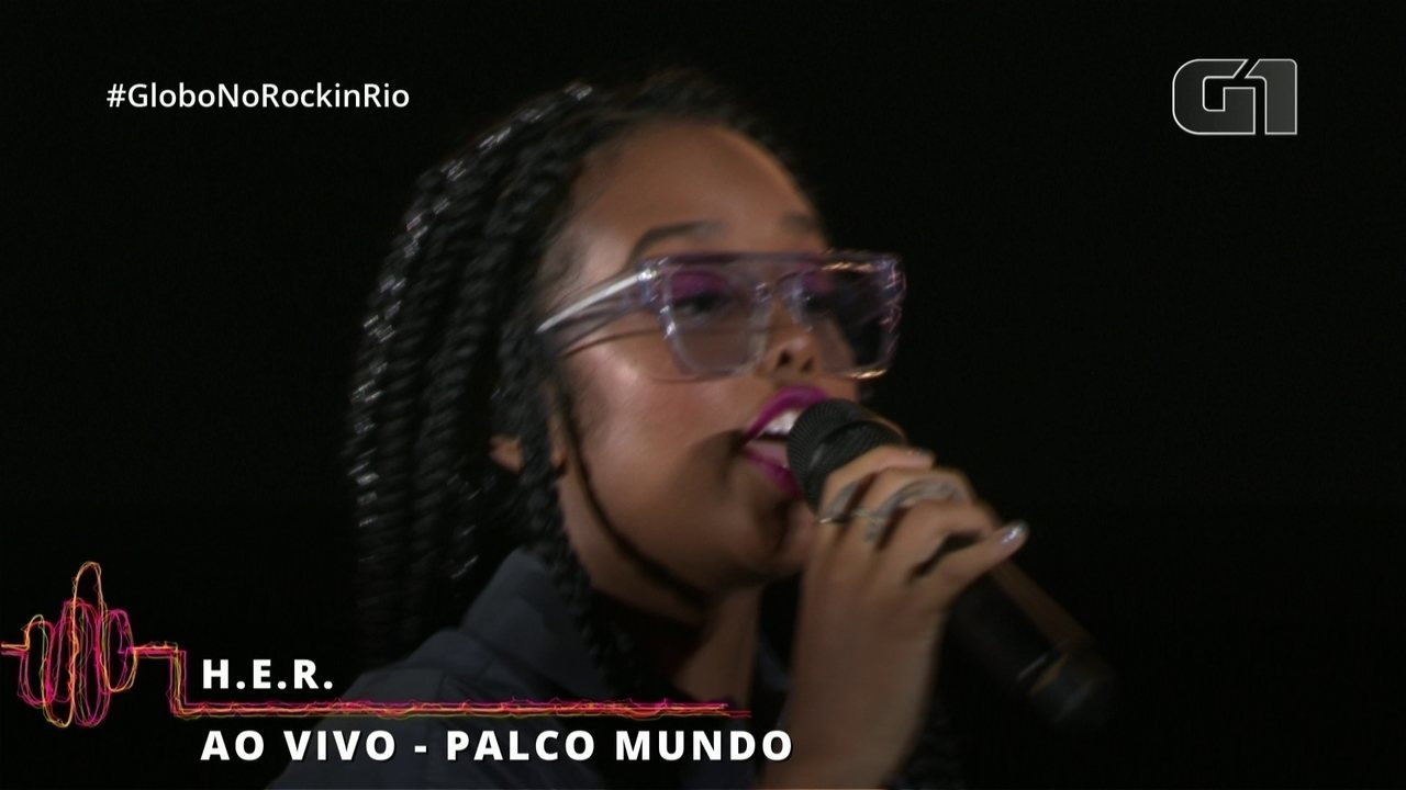 "H.E.R. interpreta ""Best Part"" no Rock in Rio"