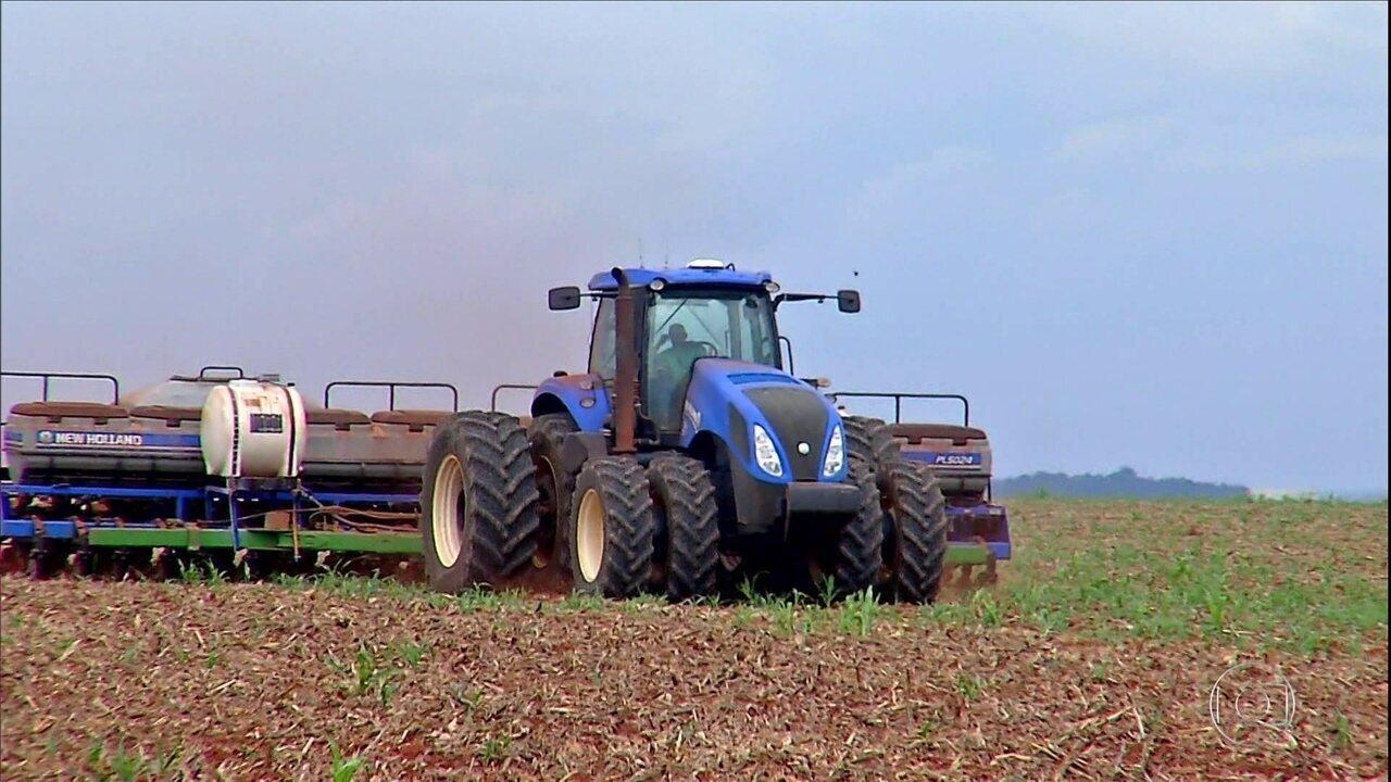 Falta de chuva atrasa plantio da soja em Mato Grosso