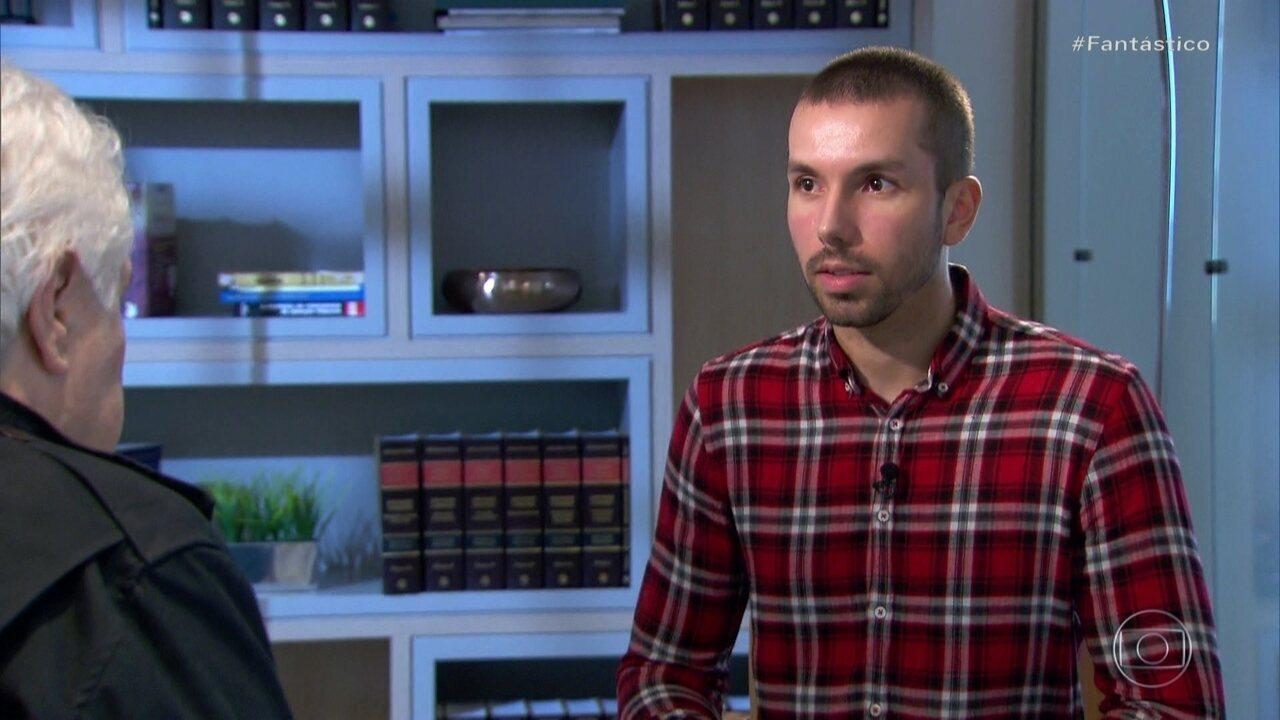 Filho processa a mãe e pede R$ 3 mi de indenização após ela ser condenada por matar o pai