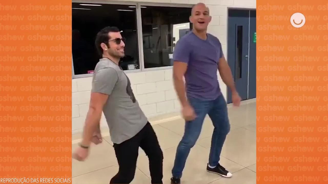 Kaysar Dadour e Cigano mostram sintonia nos bastidores do Dança dos Famosos