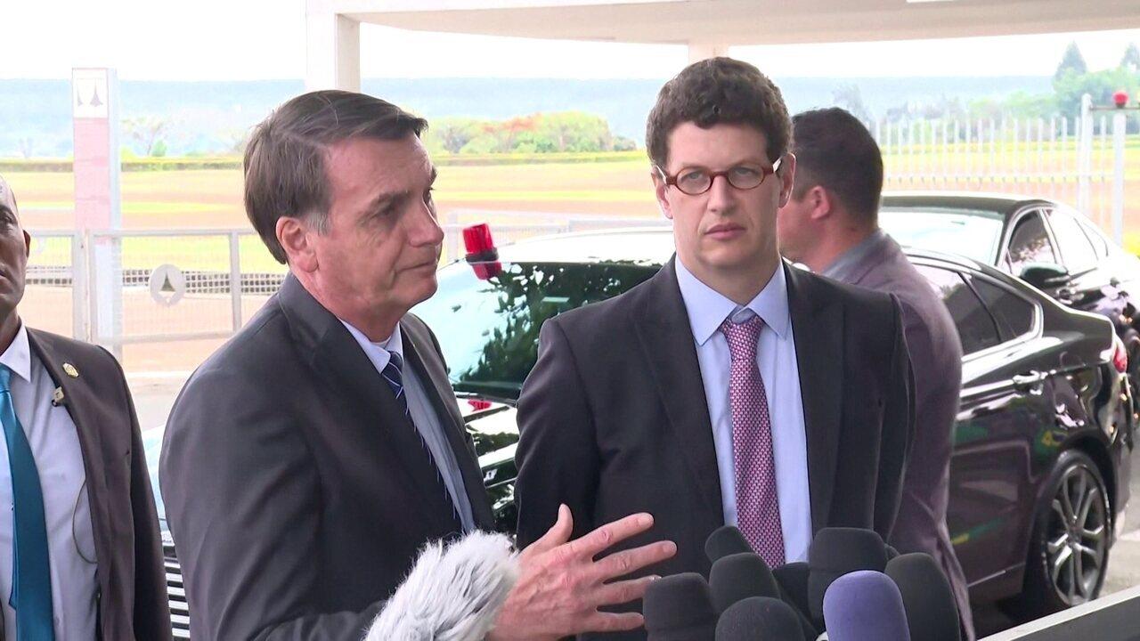 'Parece que criminosamente algo foi despejado', diz Bolsonaro sobre óleo no Nordeste