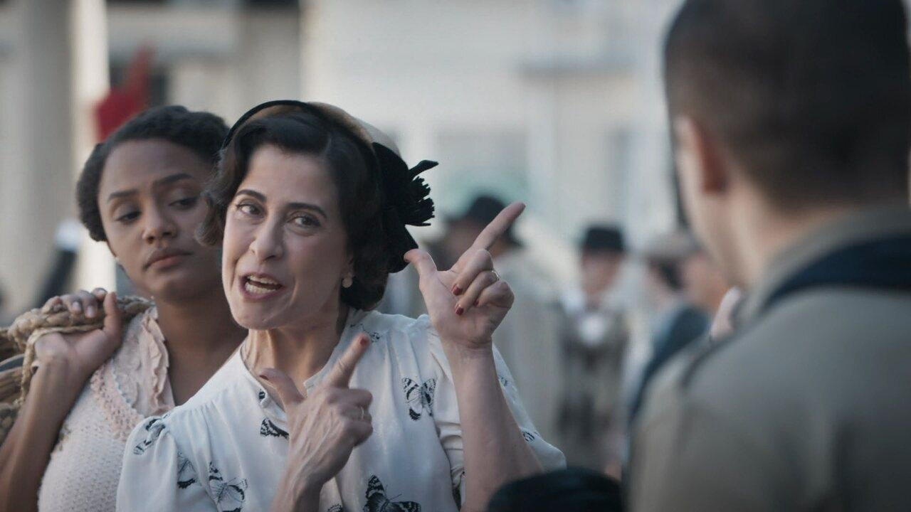 Maria Teresa se entusiasma com presença de militares na cidade