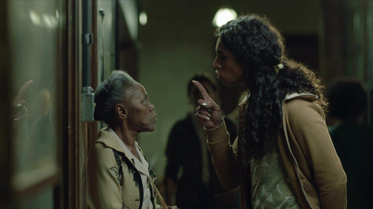 Dona Jurema implica com Natasha