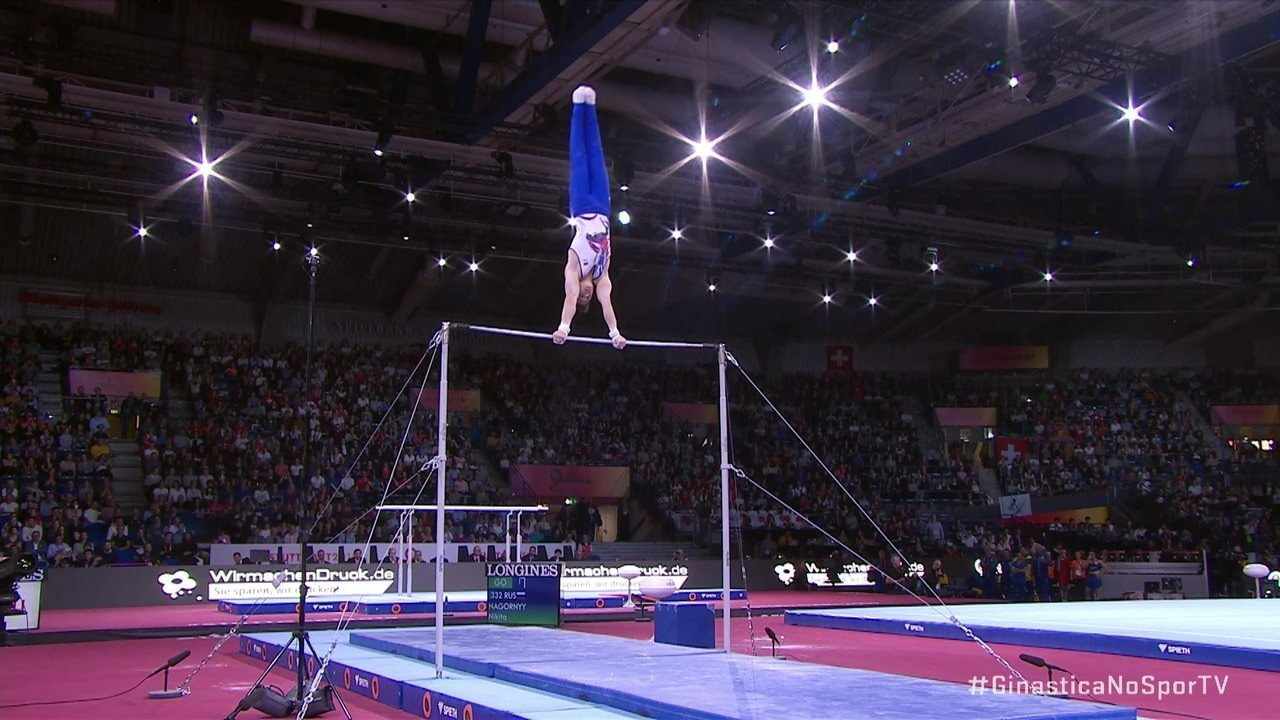Nikita Nagornyy brilha na barra fixa, e Rússia é ouro por equipes no masculino no Mundial de Ginástica
