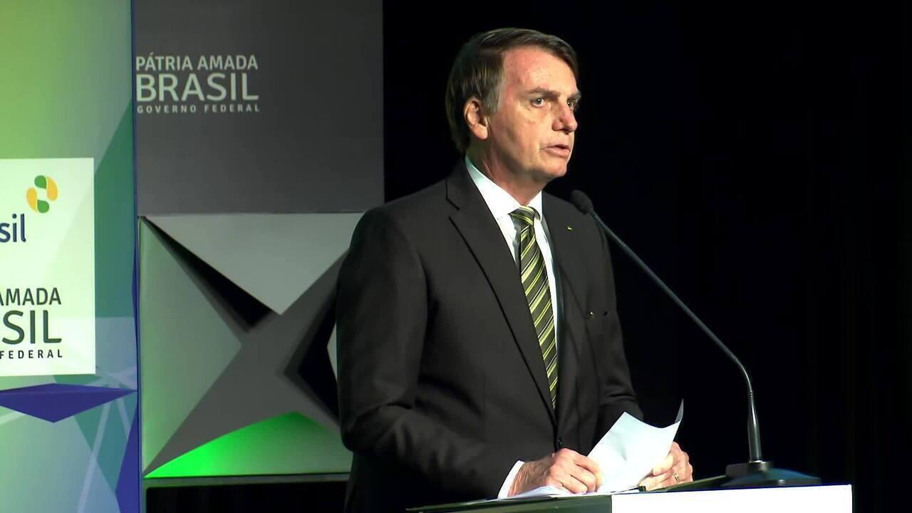 Bolsonaro convida pessoas a conhecer a Amazônia: 'Vocês não serão queimados'