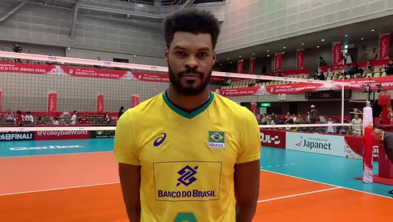 Isaac fala de mais uma vitória da seleção brasileira de vôlei