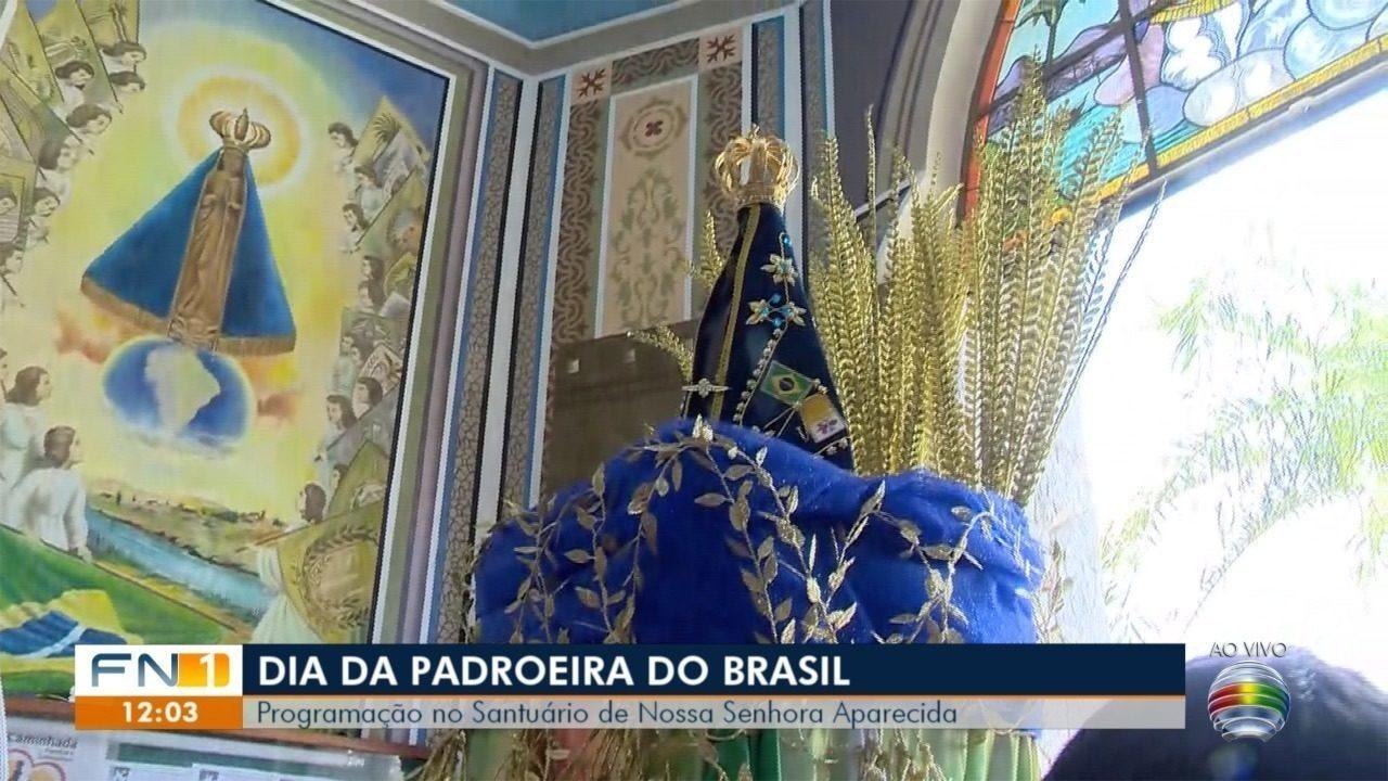 Devotos de Nossa Senhora Aparecida celebram o Dia da Padroeira do Brasil