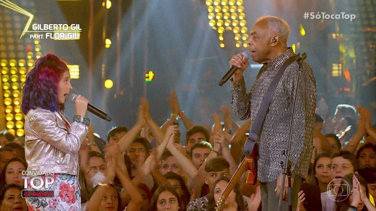 Gilberto Gil e a neta Flor cantam 'Sítio do Picapau Amarelo'