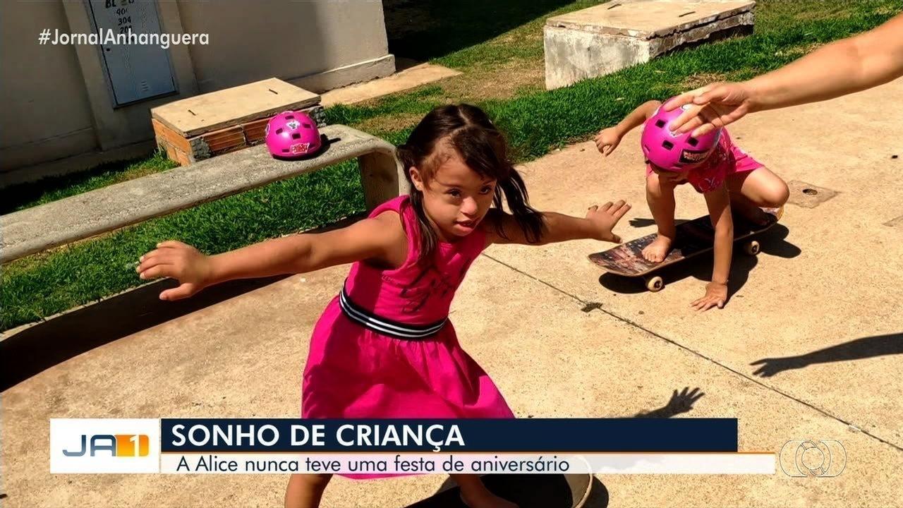 Resultado de imagem para Menina de 5 anos com síndrome de Down sonha com 1ª festa de aniversário, em Goiás