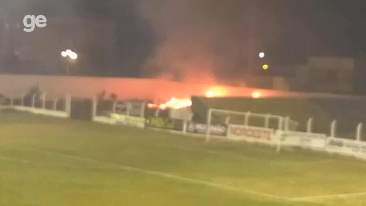 Incêndio dentro do estádio Helvídio Nunes