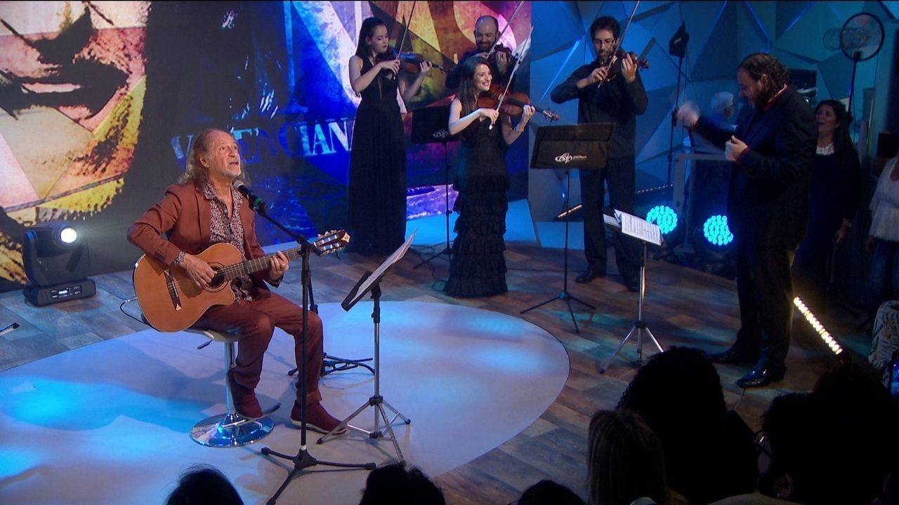 Alceu Valença canta 'Anunciação' no palco do Fantástico