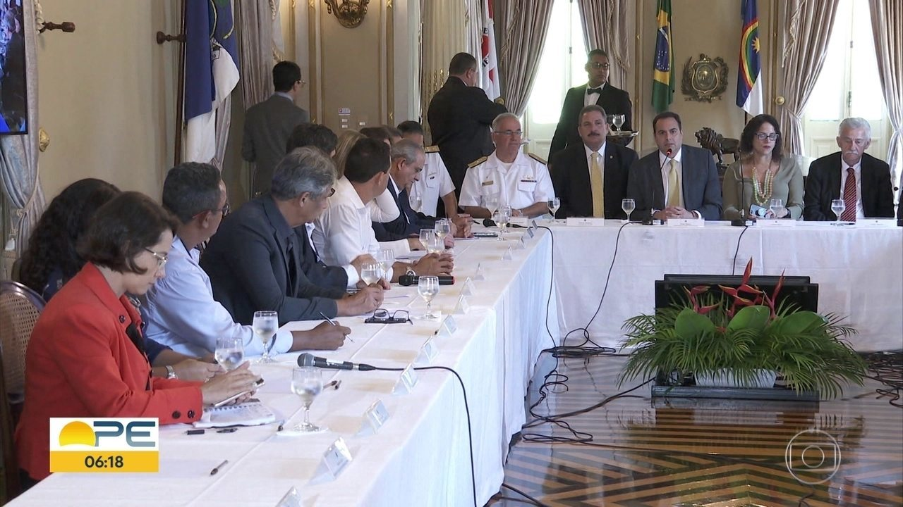 Governo e prefeituras traçam planos de ações e prevenção do óleo