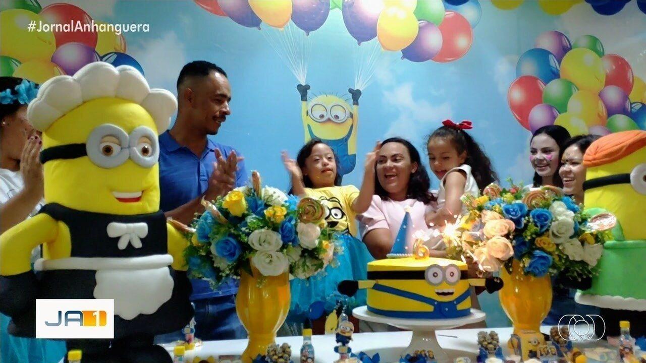 Resultado de imagem para Menina com síndrome de Down ganha primeira festinha de aniversário aos 6 anos, em Goiânia