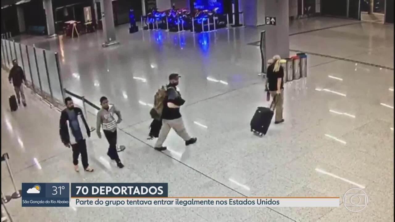 Avião com brasileiros deportados pelos EUA desembarca em Confins