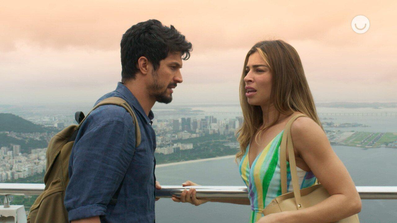 Teaser 'Bom Sucesso' 31/10: Após beijar Marcos, Paloma fica nervosa