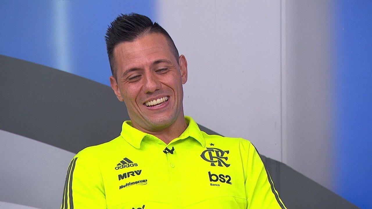 """Diego Alves diz: """"Estou superbem e feliz"""""""