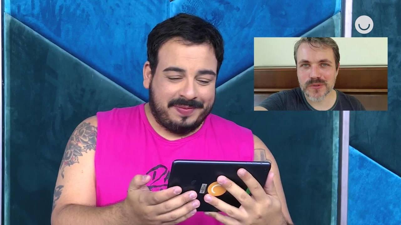 Luis Lobianco se emociona com mensagens de apoio do marido e dos amigos