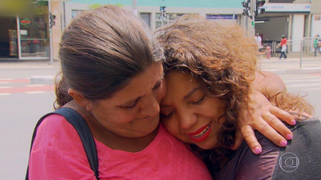 Andressa Cruz se emociona ao rever a mãe