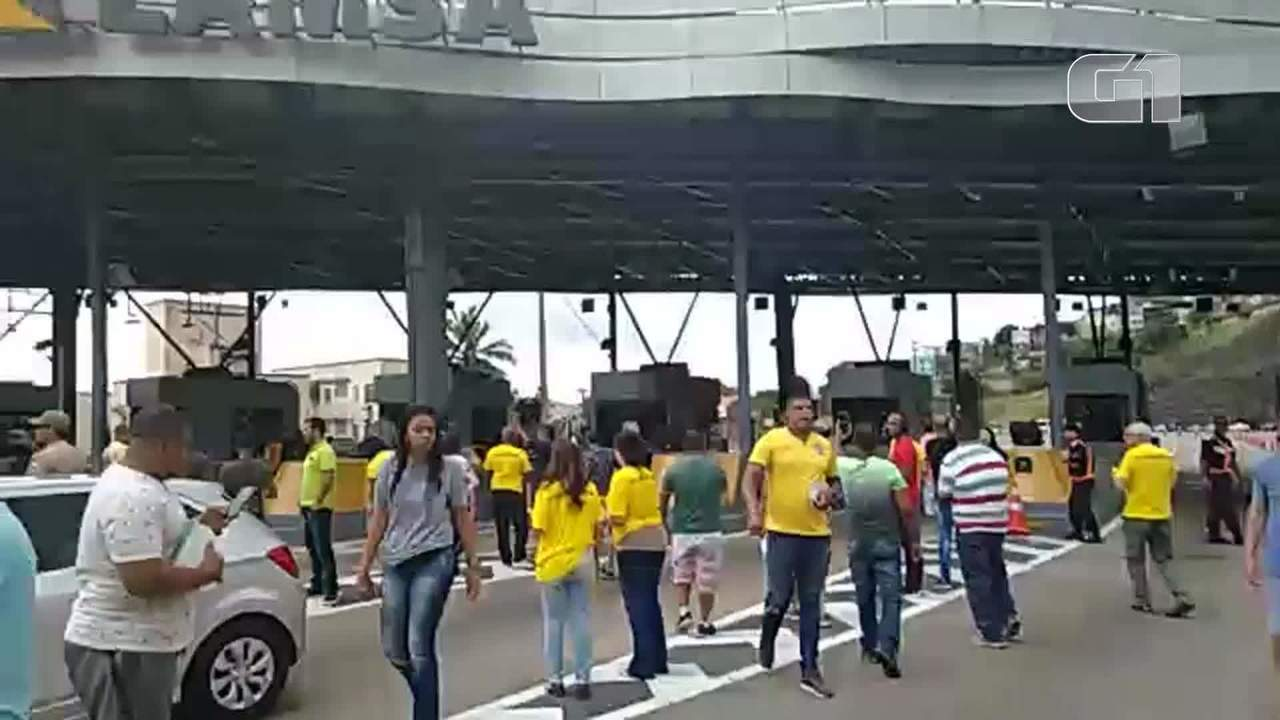 Pedágio é liberado durante protesto na Linha Amarela