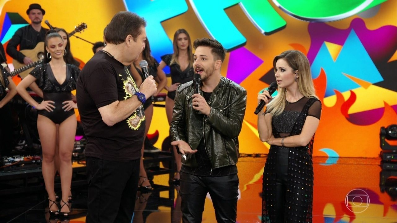 Sandy e Junior relembram trajetória no Domingão do Faustão