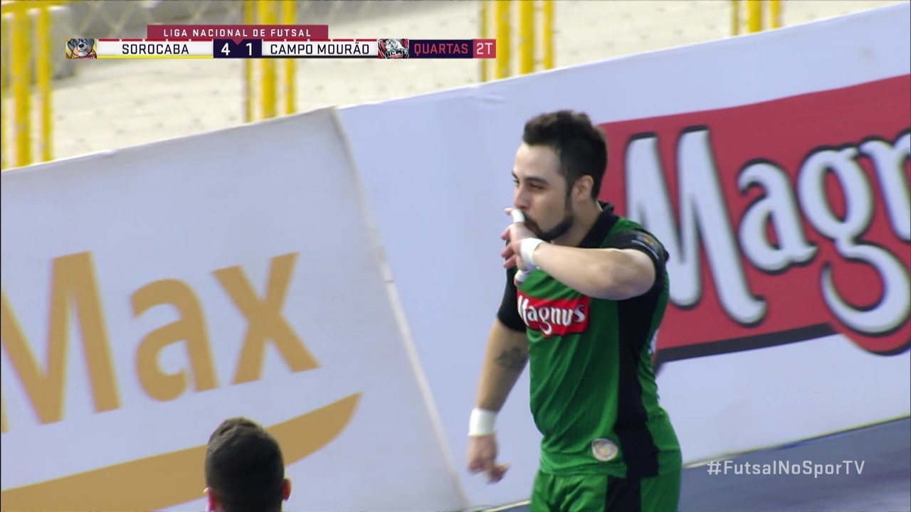 Goleiro do Sorocaba marca golaço na partida contra o Campo Mourão