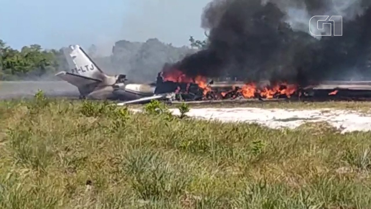 VIDEO: Small plane crashes in Maraú, southern state