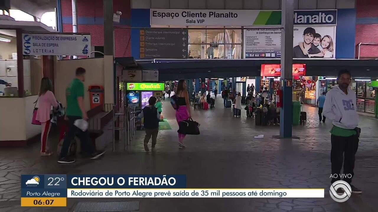 Rodoviária de Porto Alegre prevê saída de 35 mil pessoas até domingo