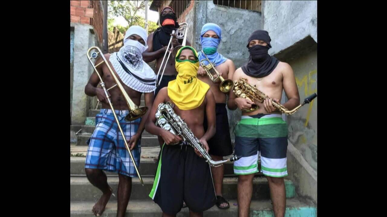 Exposição 'Favelagrafia' mostra dia a dia nas favelas do Rio de Janeiro