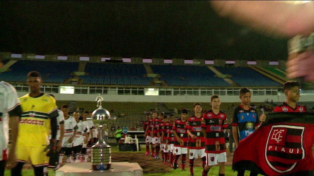 Flamengo e River se enfrentaram em busca de importante taça no Piauí