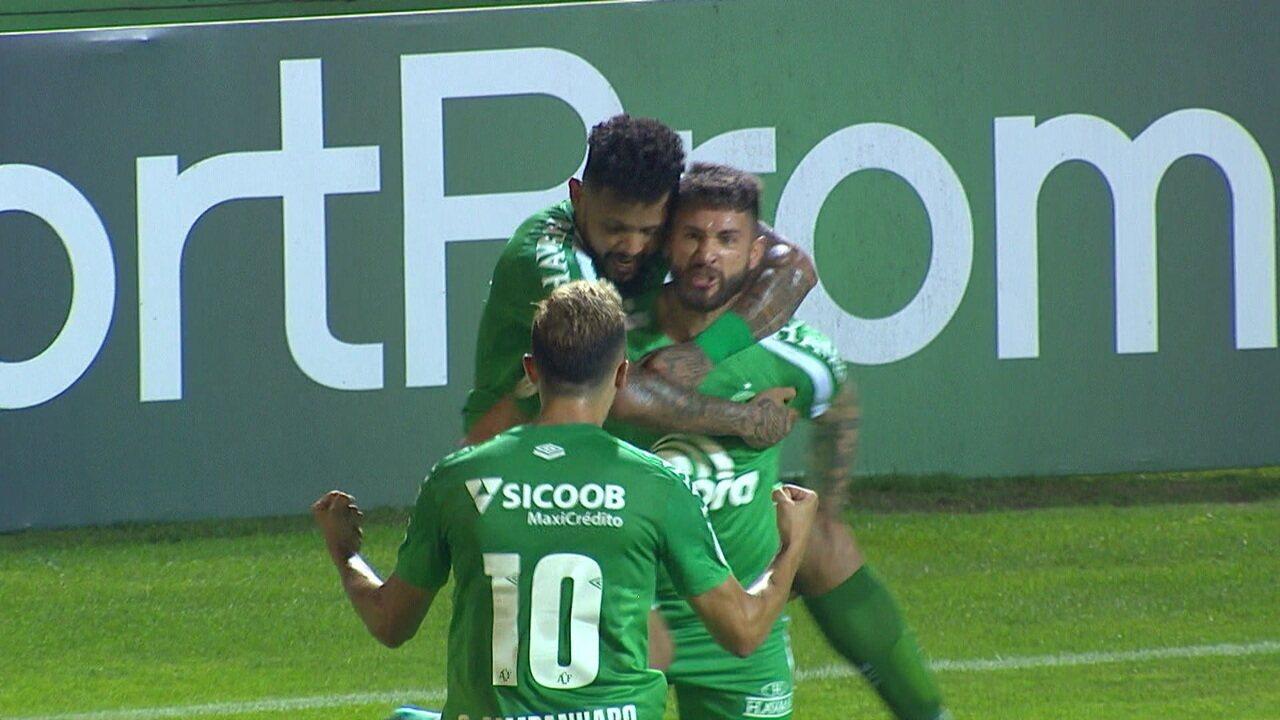 Gol da Chapecoense! Everaldo recebe e manda pro cantinho do gol, aos 36 do 2º tempo