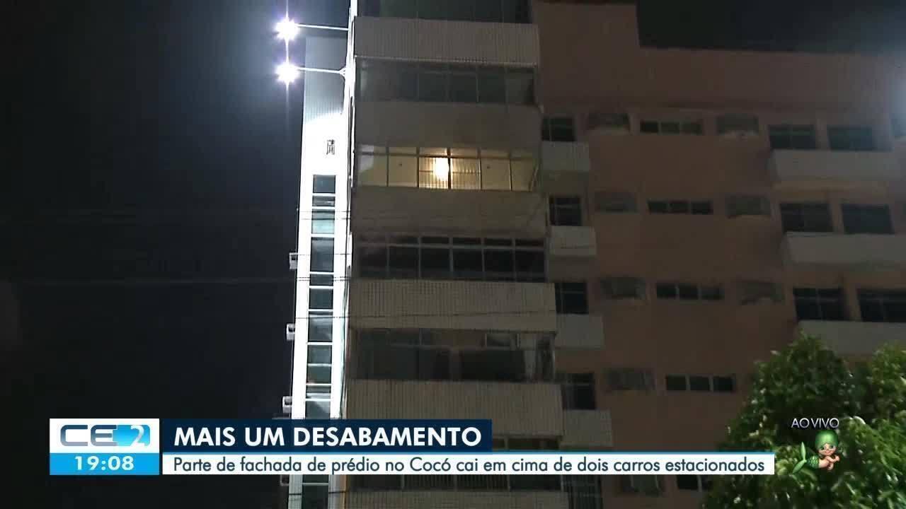 Parte da fachada de prédio no Cocó desaba atingindo 2 carros