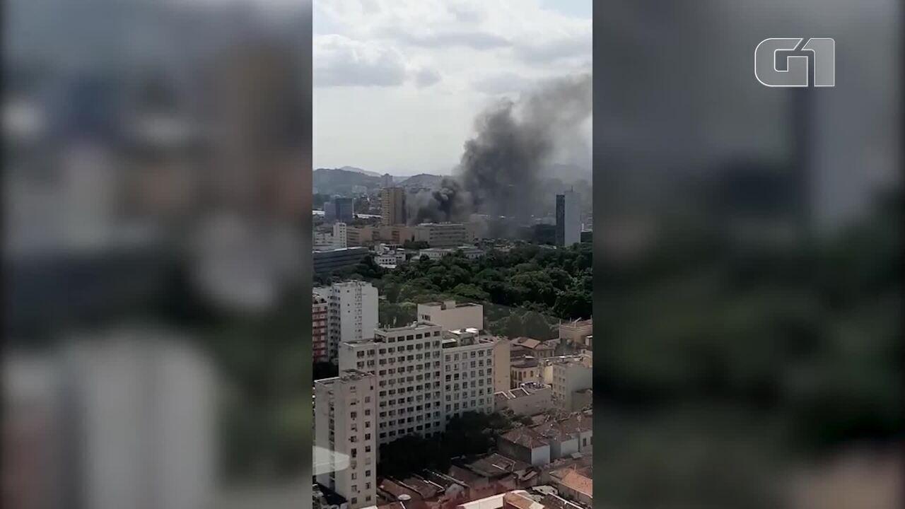 Bombeiros são chamados para incêndio no Centro do Rio