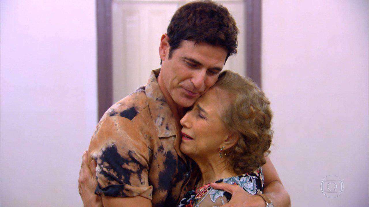 Reynaldo Gianecchini se emociona no 'Visitando o Passado'
