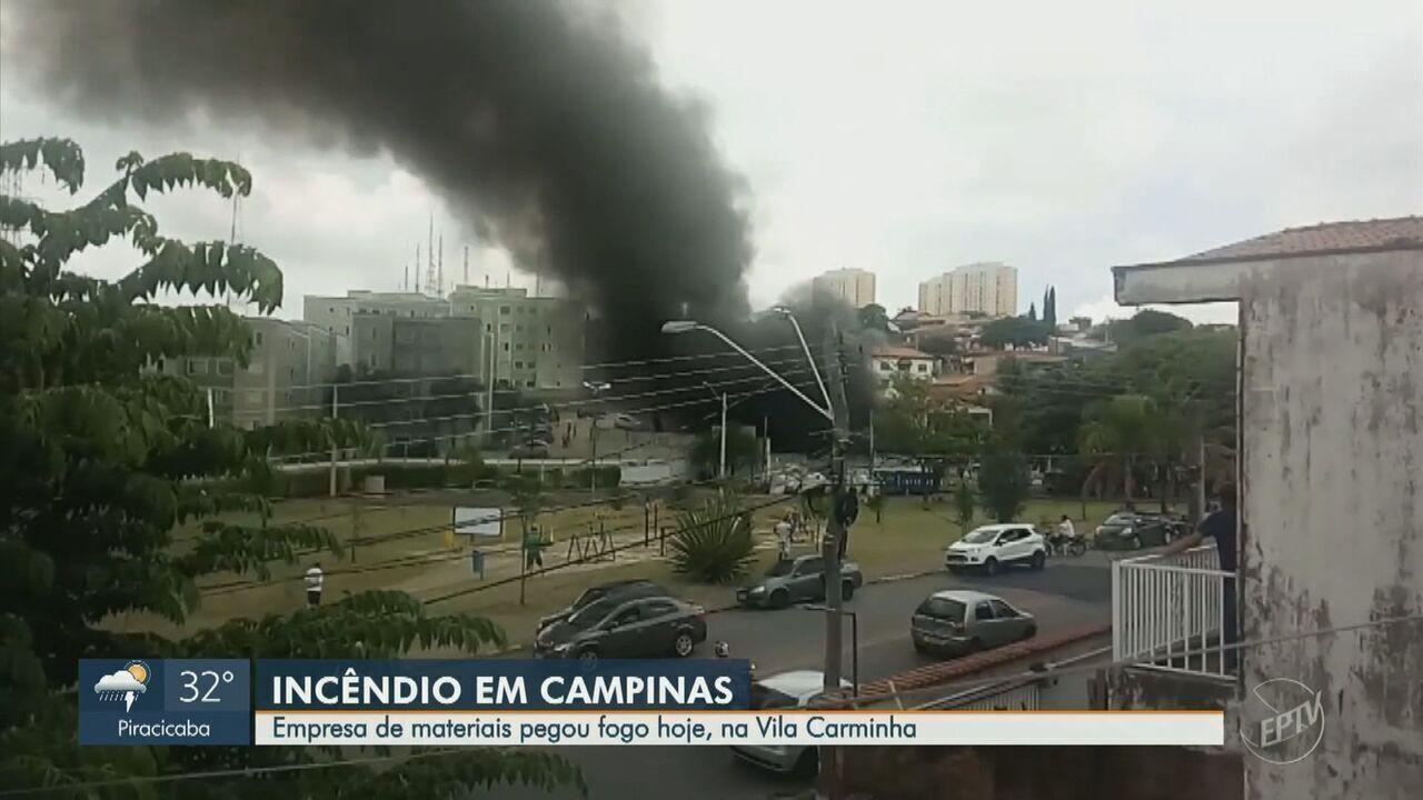 incêndio atinge empresa de materiais recicláveis na Vila Carminha, em Campinas